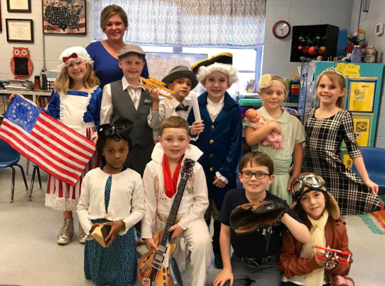 PLE Wax Museum Photo. Kids dressed as historical figures.