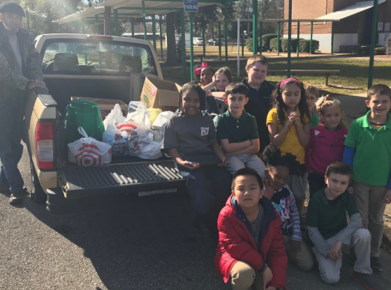 2nd Grade Gives Back to Community